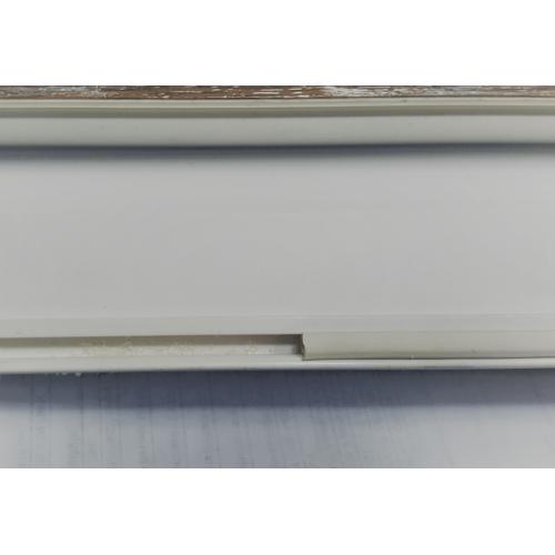 Заглушка ( уплотнитель) паза штапика Белый 1 метр.